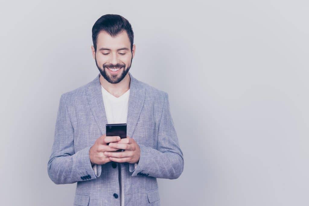mobile_crm_advantages_sales_team